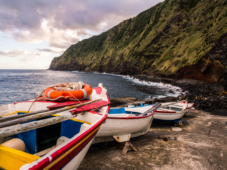 Small port next to the Arnel Lighthouse in Sao Miguel island, Azores. Standard-Bild