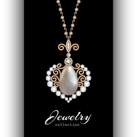 Colgante de joyería de oro de la vendimia en forma de corazón con diamantes y perlas aisladas en negro