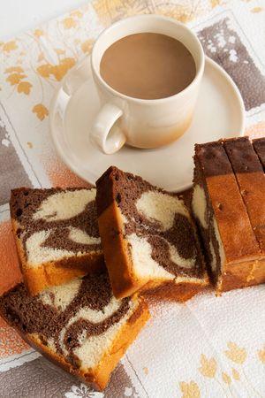 Fresh cappuccino and vanilla chocolate sponge cake Reklamní fotografie