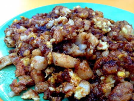 Singapore fried carrot cake in a local hawker centre
