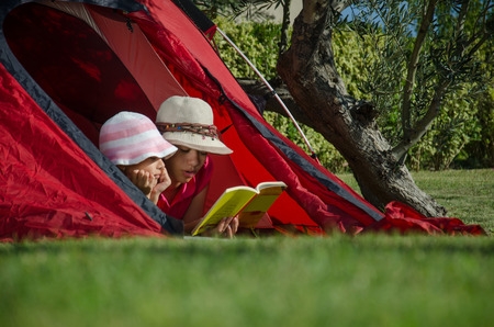 english ethnicity: Reading in a tent