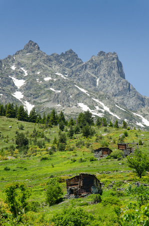 chalets: chalets in the mountains at kacke Stock Photo