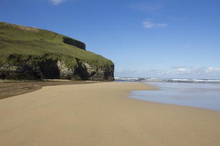 expanse: Empty expanse of Bedruthan beach, Cornwall