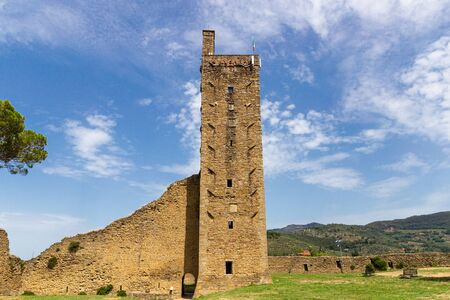 Torre del Cassero, a medieval tower in Castiglion Fiorentino, Tuscany, Italy 스톡 콘텐츠
