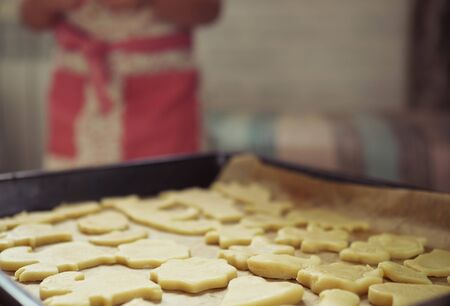 cut out molds dough for homemade shortbread cookies Zdjęcie Seryjne