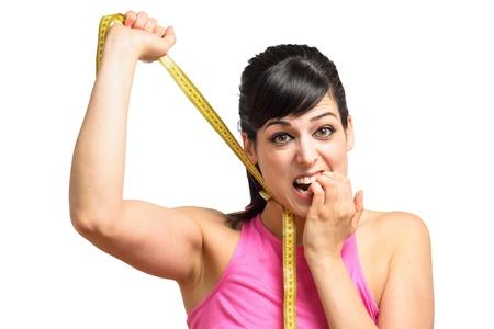 get ready: Divertenti spettacoli giovane donna mostra la sua sofferenza e la difficolt� � quello di perdere peso e ottenere pronto per l'estate.