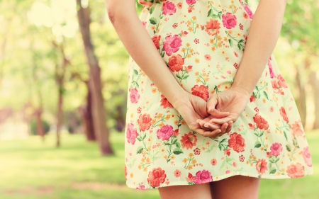 peacefulness: Smooth caucasian female hands during walk in park  Stock Photo