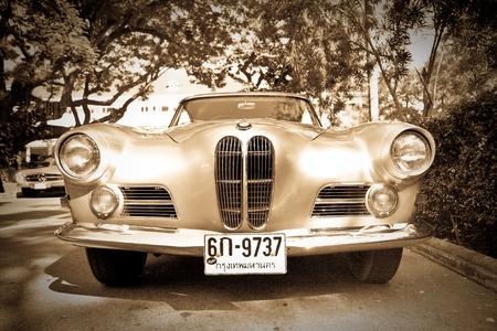 bmw: HUA HIN - DECEMBER 18: BMW 503 , 1956 year. Retro Car on Vintage Car Parade 2010 at Sofitel Resort on December 18, 2010 in Hua Hin, Thailand.  Editorial