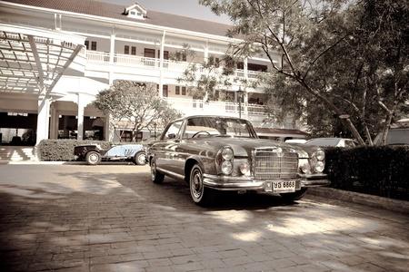 HUA HIN - DECEMBER 18: Mercedes Benz SE Coupe W111 , 1971 year. Retro Car on Vintage Car Parade 2010 at Sofitel Resort on December 18, 2010 in Hua Hin, Thailand.