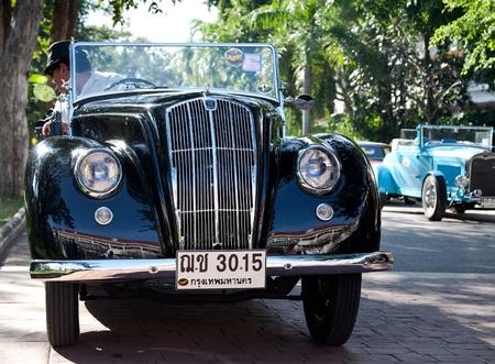 morris: HUA HIN - 18 dicembre: Morris otto serie E, anno 1939. Retr� auto Vintage Car Parade 2010 presso il Sofitel Resort il 18 dicembre 2010 a Hua Hin, Thailandia.