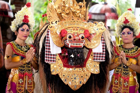 BATUBULAN, BALI, INDONESIA- JUNE 23: Barong Dance, the traditional balinese perfomance on June 23, 2011 in Batubulan, Bali, Indonesia.  Stock Photo - 12386343