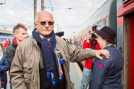 95: MOSCA, RUSSIA, settembre, 23: N. Mikhalkov.Train VGIK 95 (VGIK) Tour. Settembre 23, 2014 alla stazione ferroviaria Yaroslavsky a Mosca, Russia