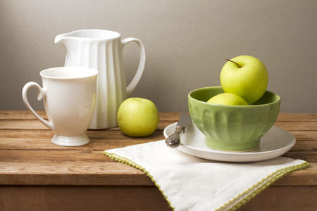 fruit bowl: Still life with fresh green apples