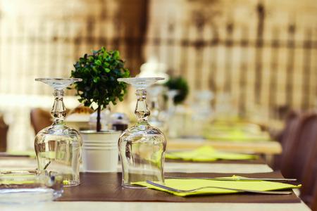 arrangment: Sreet cafe table arrangment