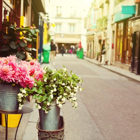 Bloemen op de straat van Parijs, Frankrijk