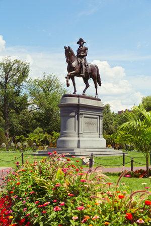 george washington statue: George Washington Statue in Boston Public Garden. Boston, Massachusetts, USA