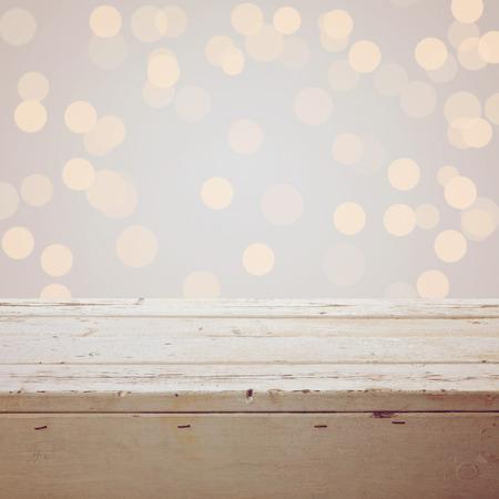 madera rústica: Navidad de fondo con mesa de madera vacía Foto de archivo