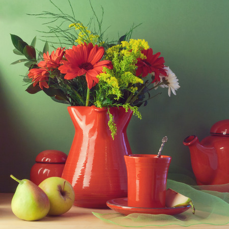 jag: Vintage still life with red tableware, flowers and fruits