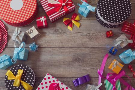 comida de navidad: Fondo compras de regalos de vacaciones de Navidad. Vista desde arriba, con copia espacio Foto de archivo