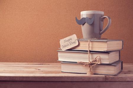 茶和旧书为父亲节庆祝