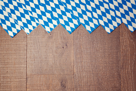 Wooden background for Oktoberfest german beer festival Banque d'images