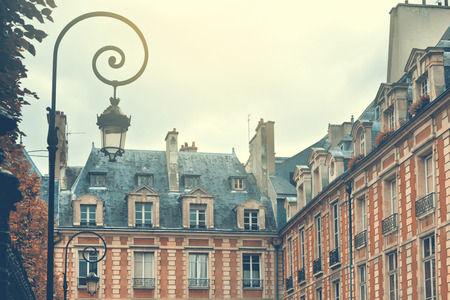 Parijs, Frankrijk. Place des Vosges. Retro filter effect Stockfoto
