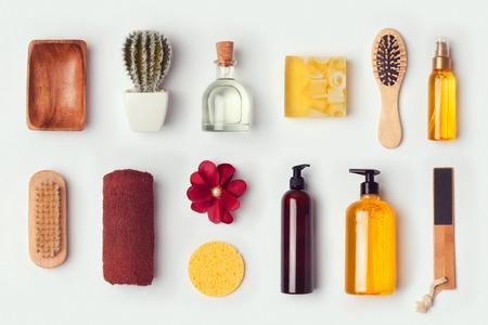 champu: Cuarto de baño y el cuidado del cuerpo maqueta plantilla para el diseño de identidad de marca. Vista desde arriba. aplanada