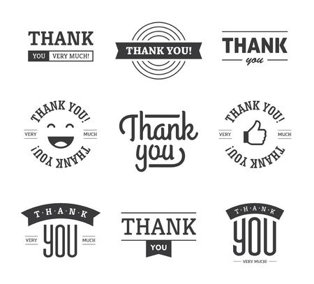 tu puedes: Conjunto de negro gracias diseños de texto con cintas, cara feliz y el pulgar para arriba como icono. Puede ser utilizado para las etiquetas, emblemas, pegatinas, etiquetas, tarjetas, etc. aislados en fondo blanco