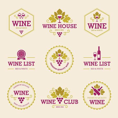 vinho: Jogo de etiquetas do vinho coloridos e emblemas com uvas, garrafas, copos de vinho e tambor isoladas no fundo claro