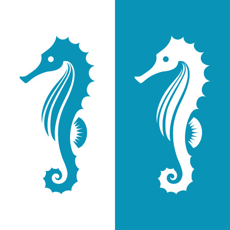 Seahorse-silhouet op witte en blauwe achtergrond wordt geïsoleerd die. Marine, zee, onderwaterleven symbool, pictogram of tatoeage.