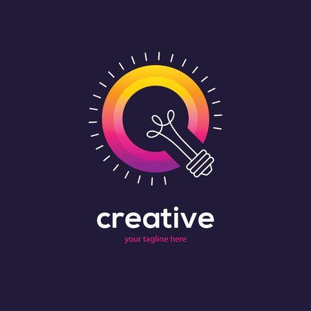 Bright colorful light bulb logo. 向量圖像