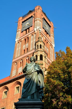 copernicus: Nicolaus Copernicus statue in front of the Town Hall in Torun, Poland