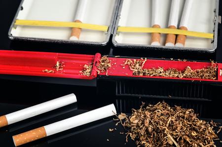 injector: Cigarette making machine and cigarette tube.