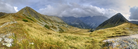 Beautiful mountain panorama. Mountain valley in the autumn scenery in the High Tatra, Slovakia. 版權商用圖片