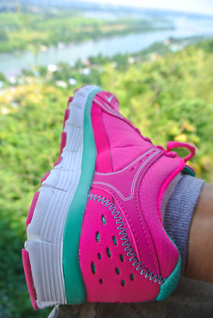 girl shoes: Woman sport shoes