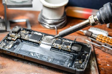 Reparieren Handy Lizenzfreie Bilder