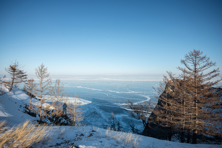 Landscape of mountain with the frozen lake of Baikal in Russia Banco de Imagens - 121552605