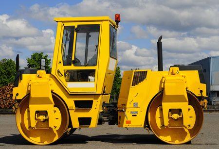 steamroller: yellow steamroller