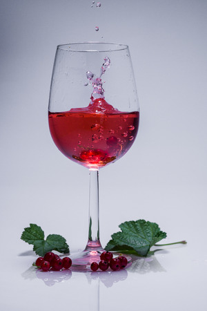 ribes: Currant juice with falling fruit