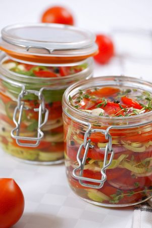 conserved: marinated vegetables