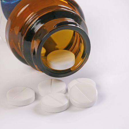 white pills photo