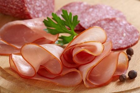 salame: carne affumicata e salame