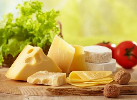 さまざまな種類のチーズ