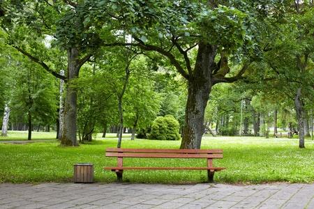 banc de parc: vieux parc Banque d'images