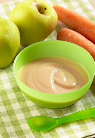 apple and carrot puree photo