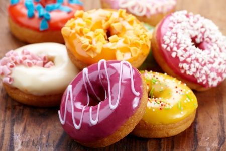 donuts: baked donuts