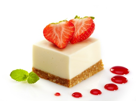 tarta de queso con fresas photo