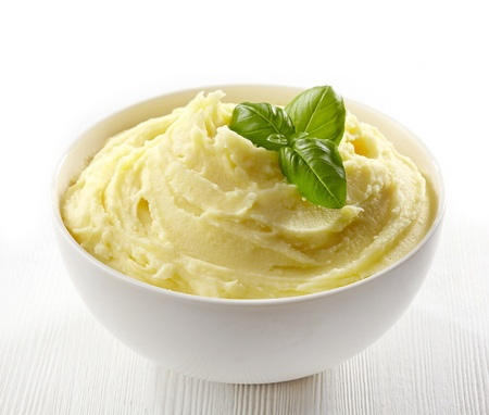 potato leaves: mashed potatoes in a white bowl