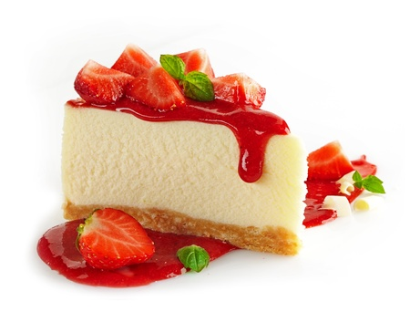 rebanada de pastel: Queso de la fresa en el fondo blanco