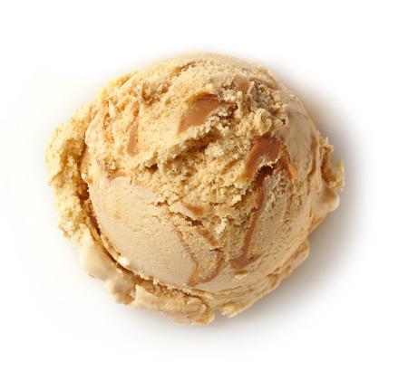 白い背景の上のアイス クリーム スクープ